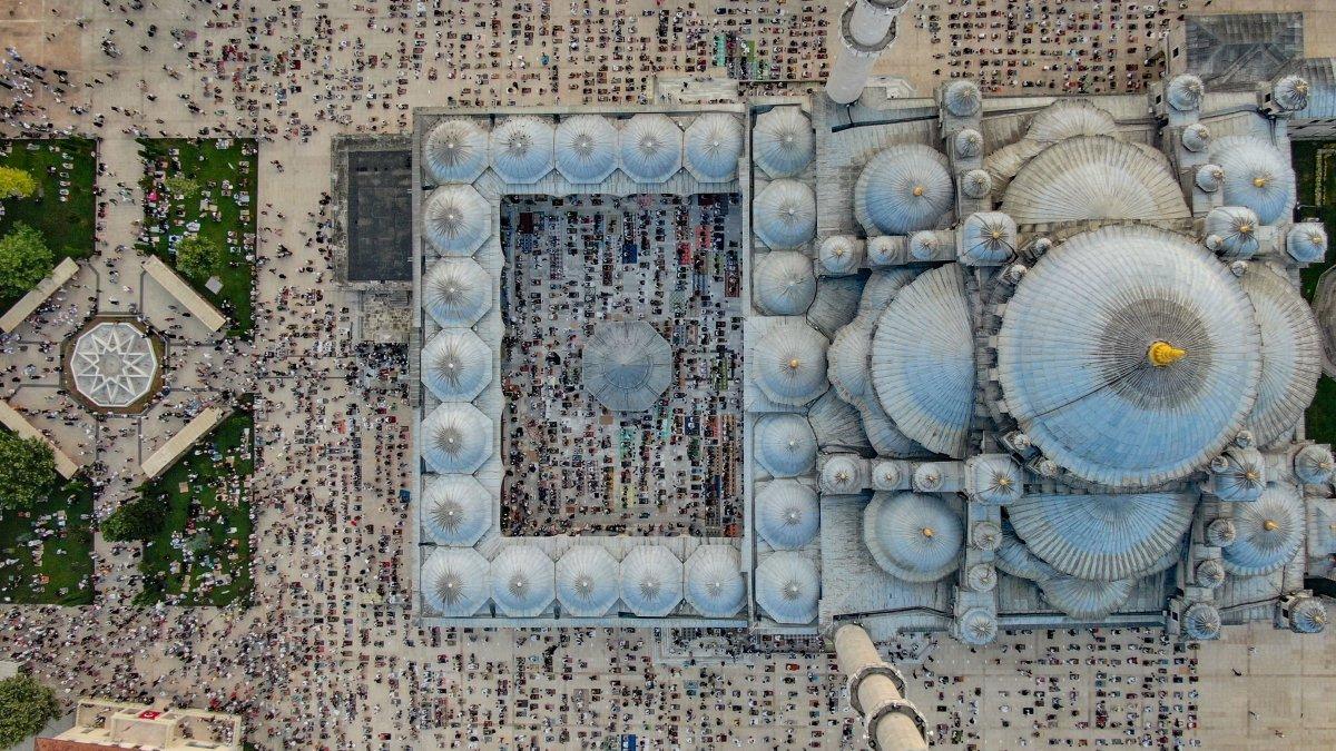 İstanbul un camilerinde Kurban Bayramı coşkusu #7