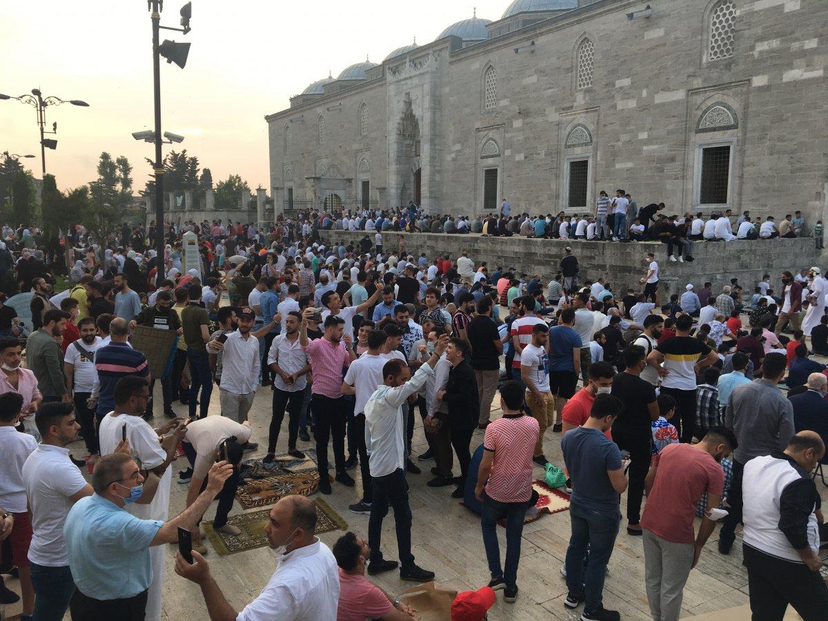İstanbul un camilerinde Kurban Bayramı coşkusu #3