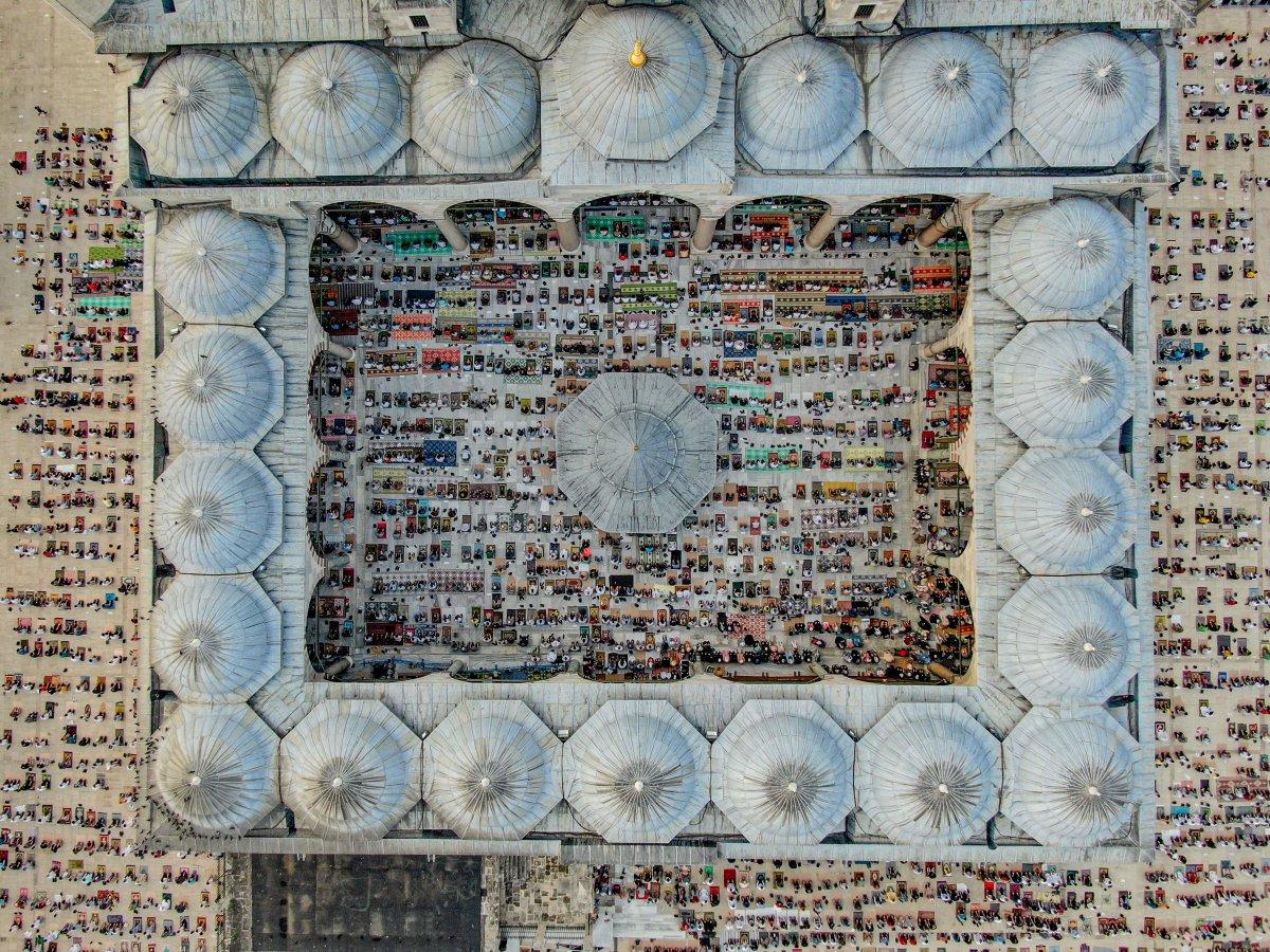İstanbul un camilerinde Kurban Bayramı coşkusu #8