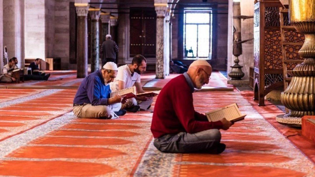 Paylaşmanın ve Allah a yakınlaşmanın  adı:Kurban bayramı #2