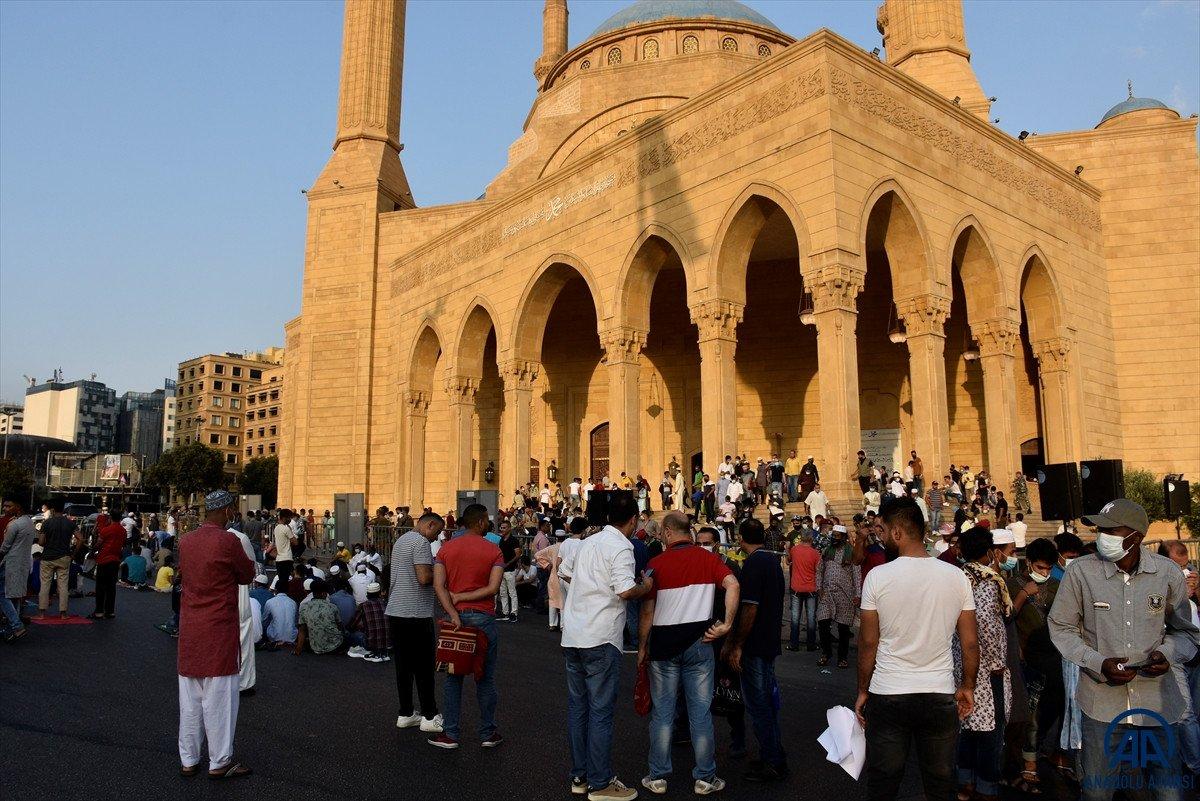 Kurban Bayramı kutlanıyor: Dünyadan bayram namazı manzaraları #29