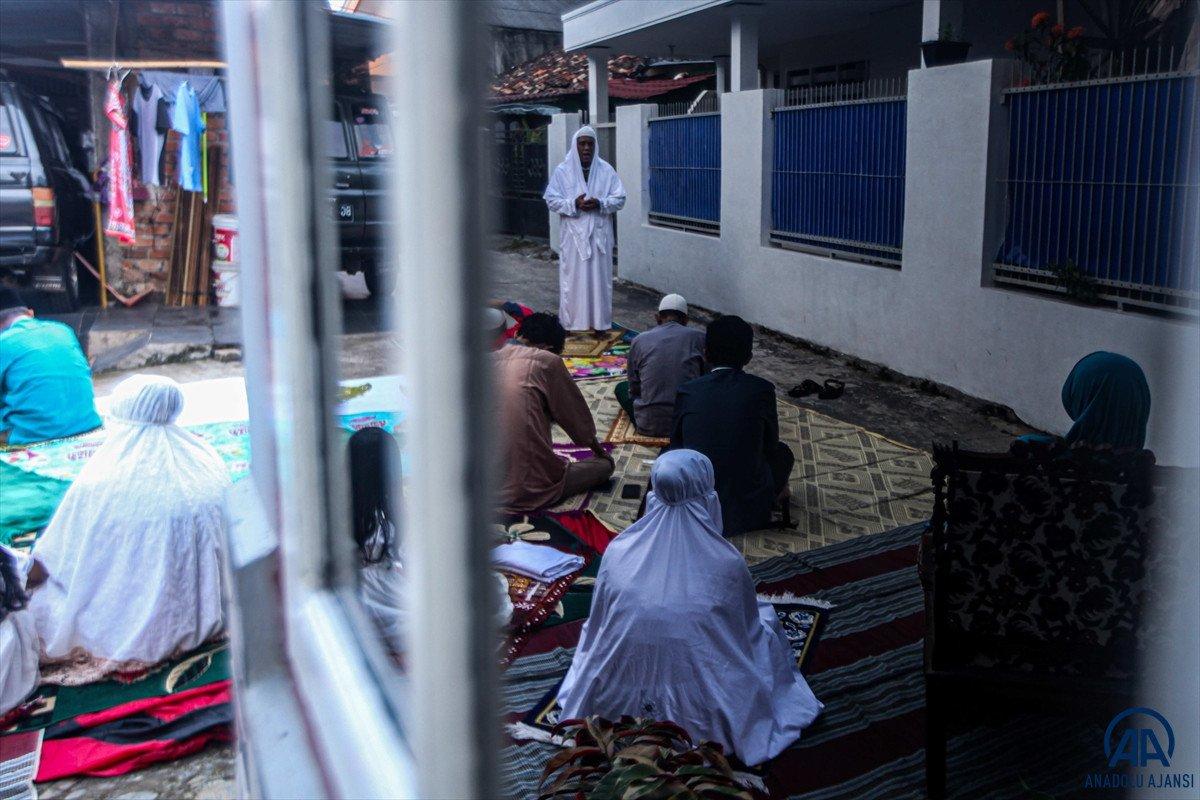 Kurban Bayramı kutlanıyor: Dünyadan bayram namazı manzaraları #19
