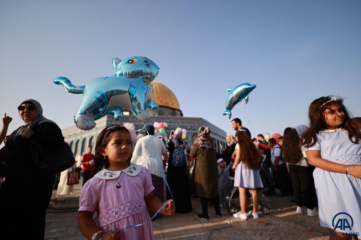 Kurban Bayramı kutlanıyor: Dünyadan bayram namazı manzaraları #2