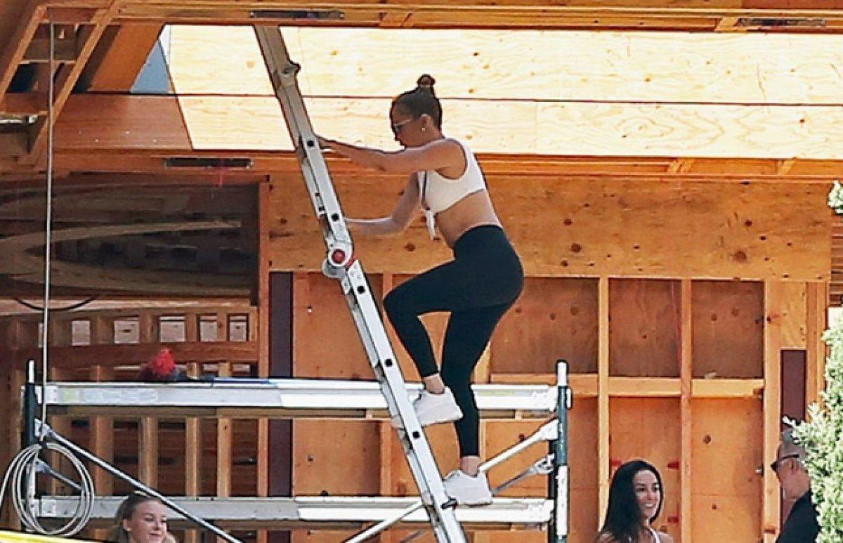 Jennifer Lopez, Ben Affleck ile birlikte yaşayacağı evin inşaatını denetledi  #1