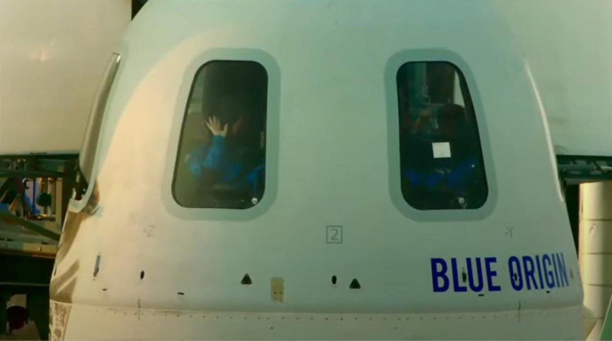 Jeff Bezos ve beraberindeki mürettebatı taşıyan araç uzaya fırlatıldı #2