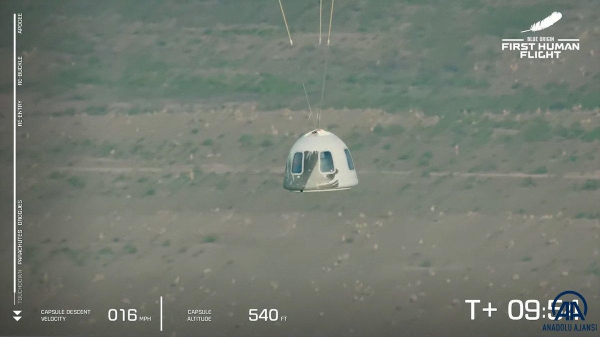 Jeff Bezos ve beraberindeki mürettebatı taşıyan araç uzaya fırlatıldı #9