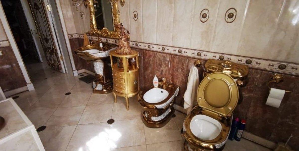 Rusya da polisin evinden altın klozet çıktı #2
