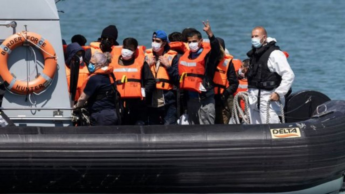 İngiltere ye bir günde rekor göçmen girişi #2