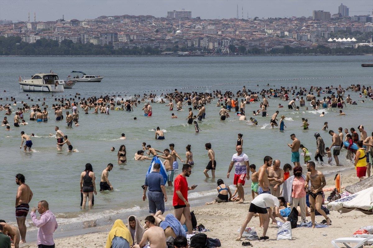 İstanbul da bayramın ikinci günü Güneş Plajı oldu #6