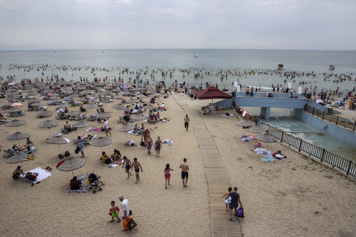 İstanbul da bayramın ikinci günü Güneş Plajı oldu #7