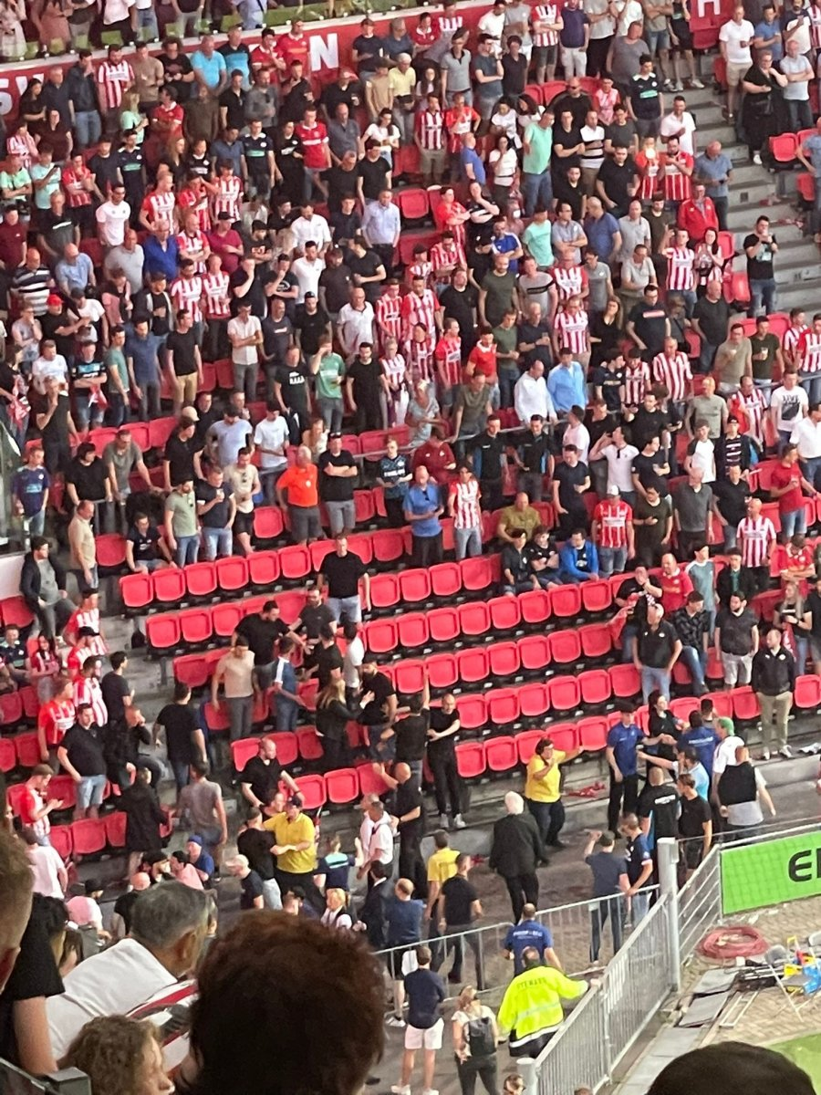 PSV-Galatasaray maçında gerilim #4
