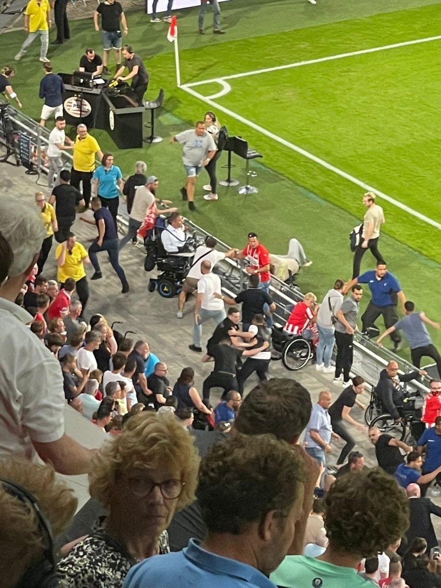 PSV-Galatasaray maçında gerilim #2