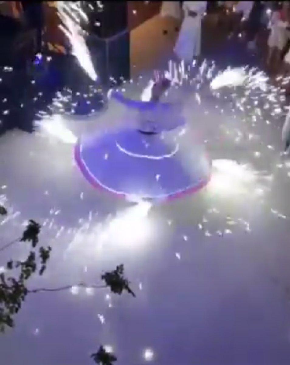 Düğündeki semazen, parti volkanıyla gösteri yaptı #3