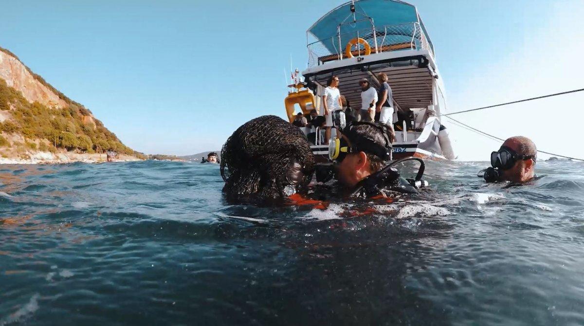 Bekir Pakdemirli, Marmara Denizi ne dalış yaparak hayalet ağ çıkardı #1
