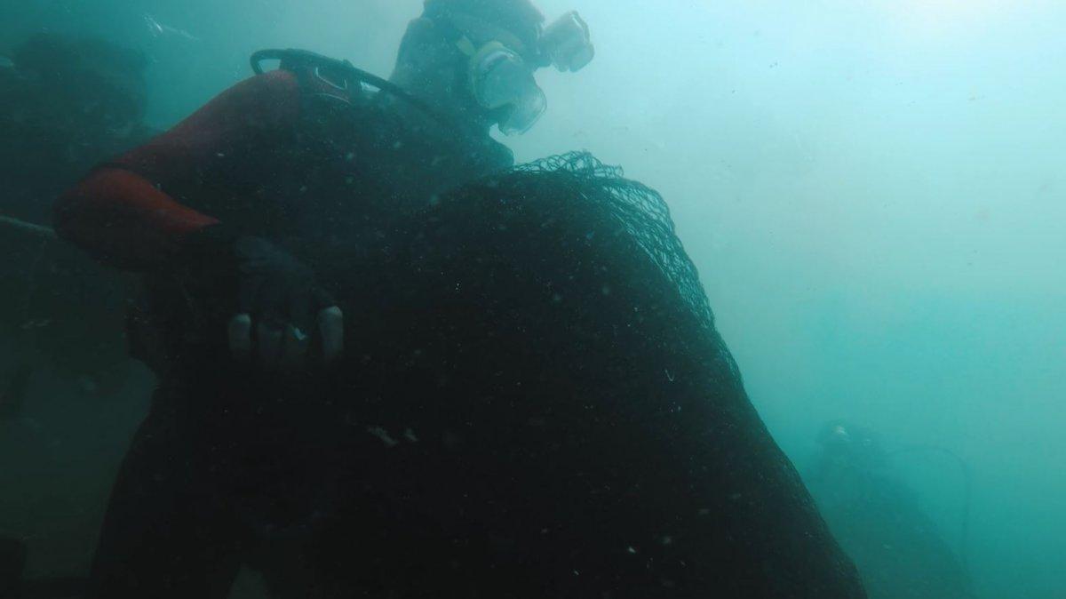 Bekir Pakdemirli, Marmara Denizi ne dalış yaparak hayalet ağ çıkardı #5