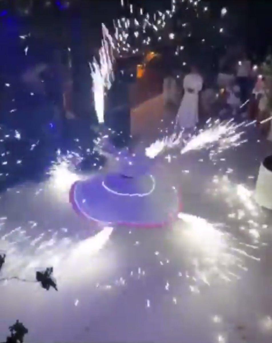Düğündeki semazen, parti volkanıyla gösteri yaptı #1