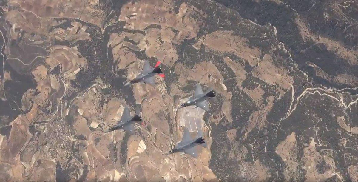 Türk Yıldızları ndan KKTC de gösteri uçuşu #1