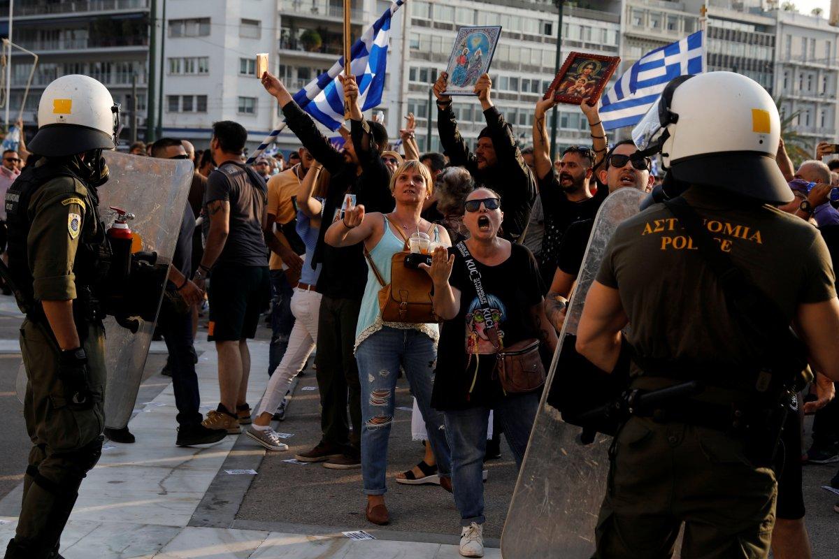 Yunanistan da zorunlu aşı karşıtları sokağa indi #5