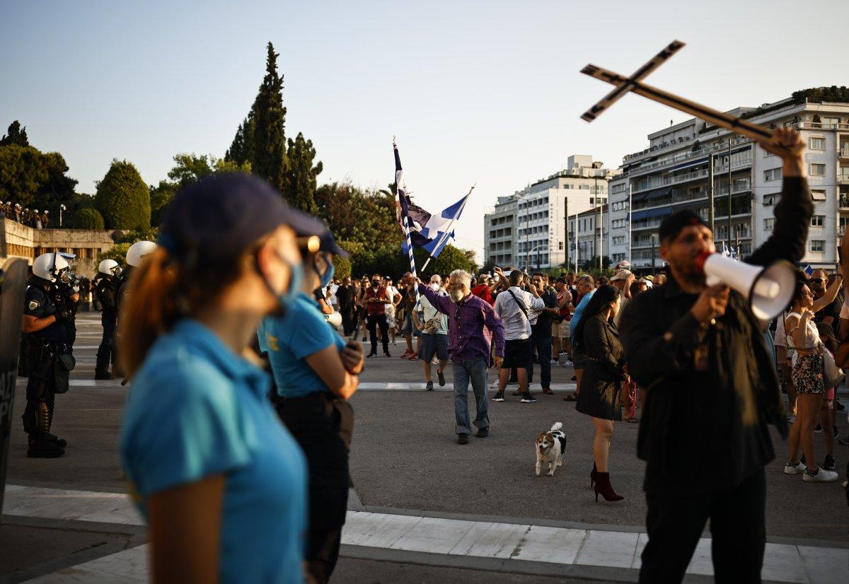 Yunanistan da zorunlu aşı karşıtları sokağa indi #8