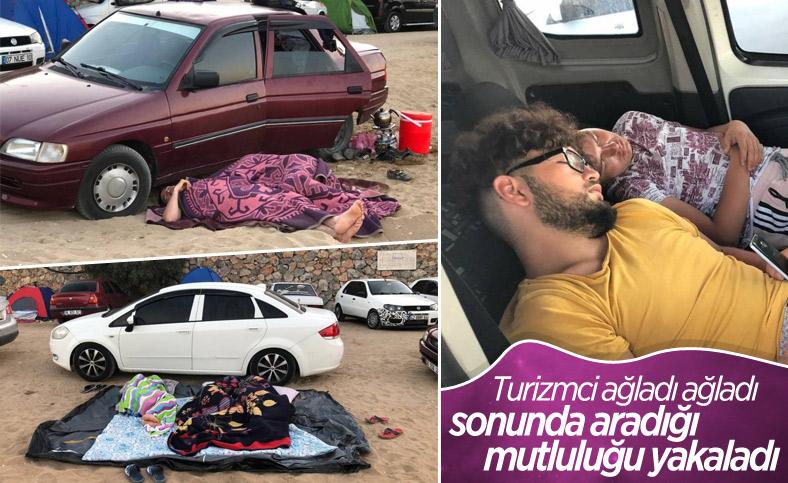 Antalya'da otellerde yer kalmayınca tatilciler dışarıda yattı