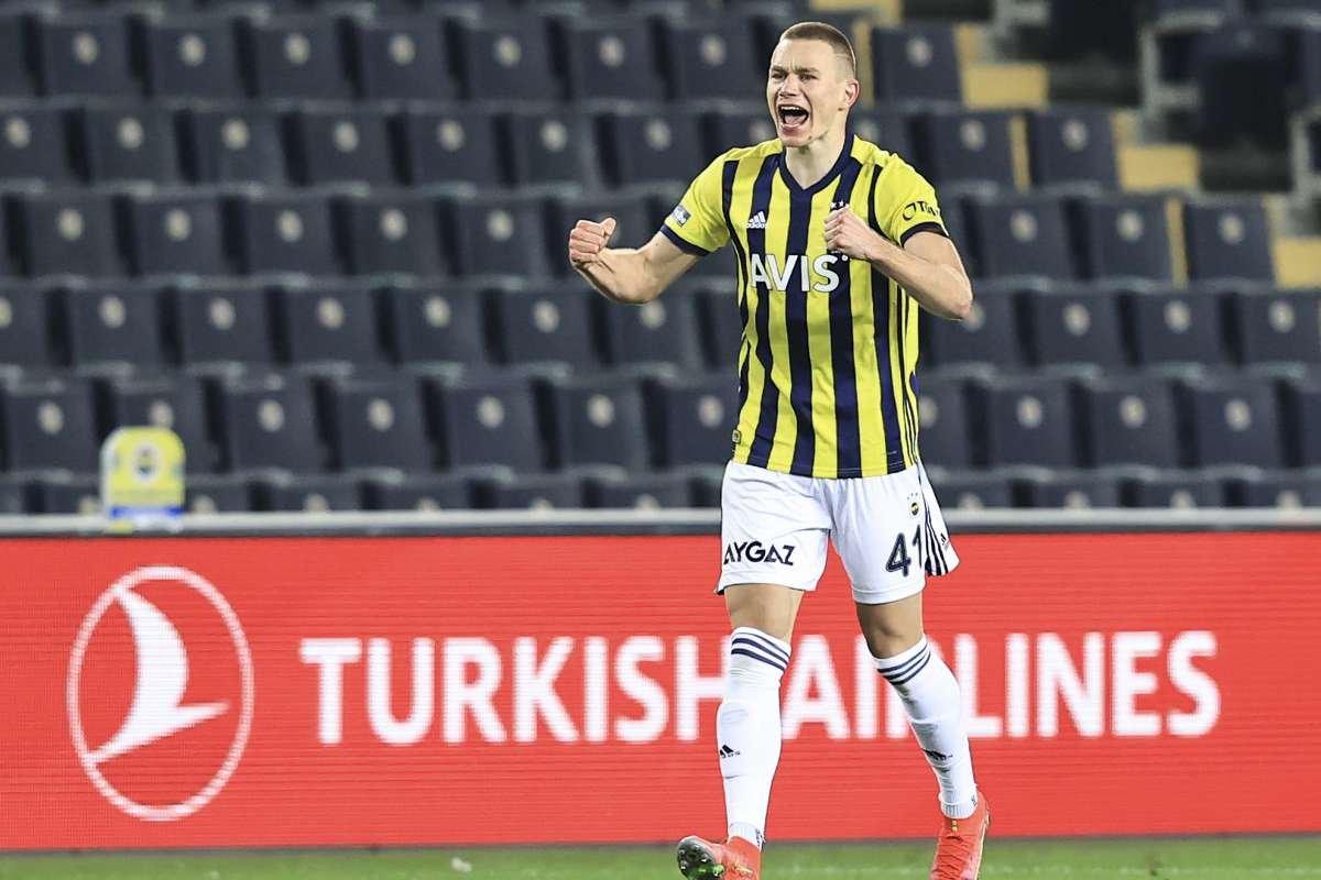 Fenerbahçe, Szalai transferi konusunda kararsız #3