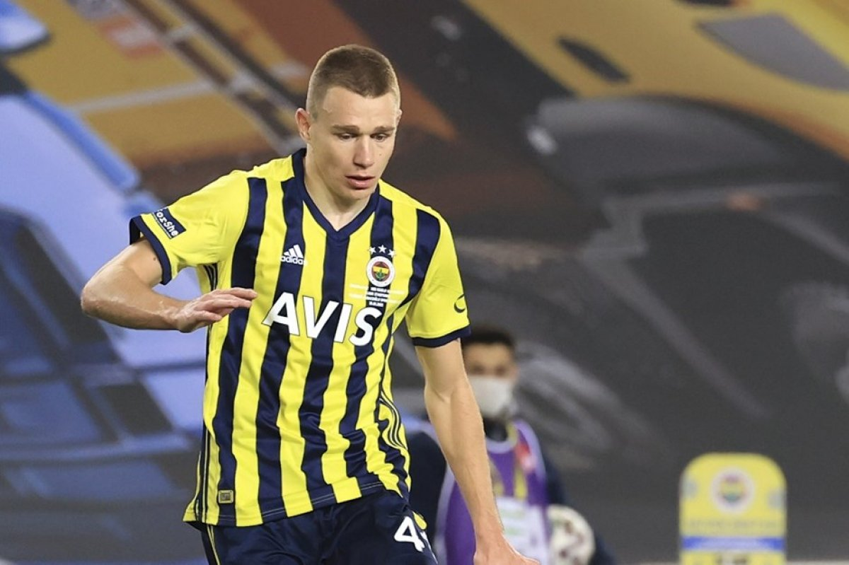Fenerbahçe, Szalai transferi konusunda kararsız #1