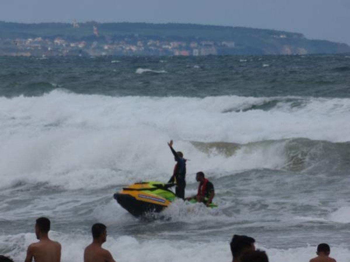 Şile de denize girmek yasaklandı: 1 kişi boğuldu, 2 kişi kayboldu #6