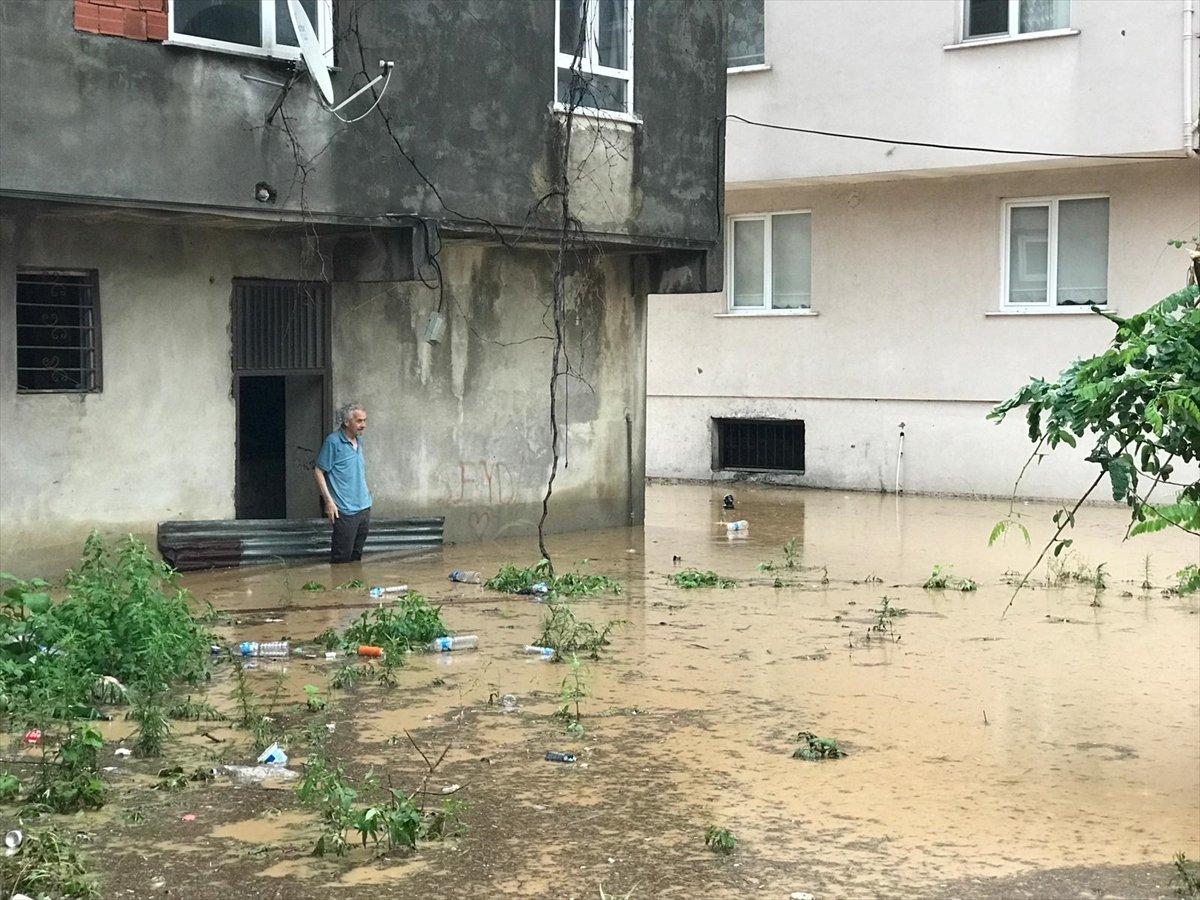 Doğu Karadeniz de sağanak yağış etkisini gösterdi #14