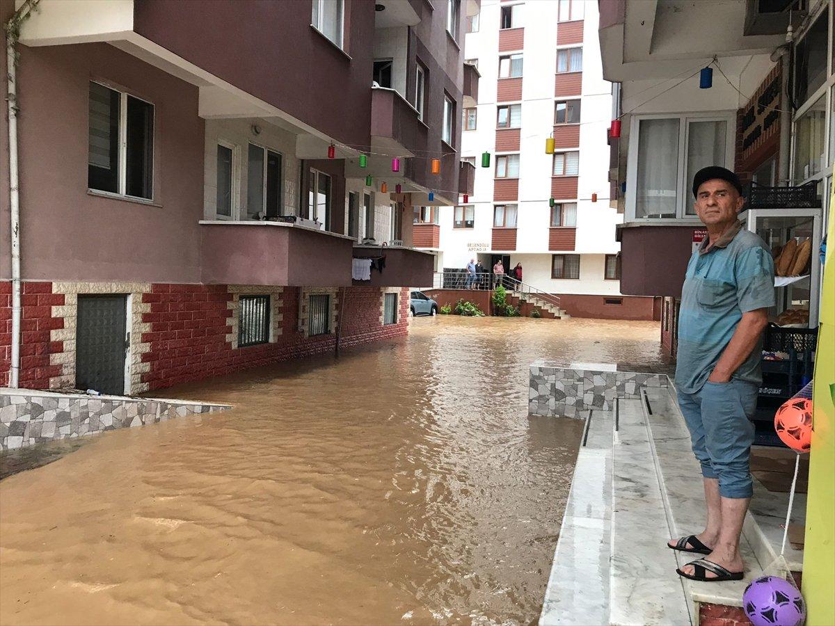 Doğu Karadeniz de sağanak yağış etkisini gösterdi #16