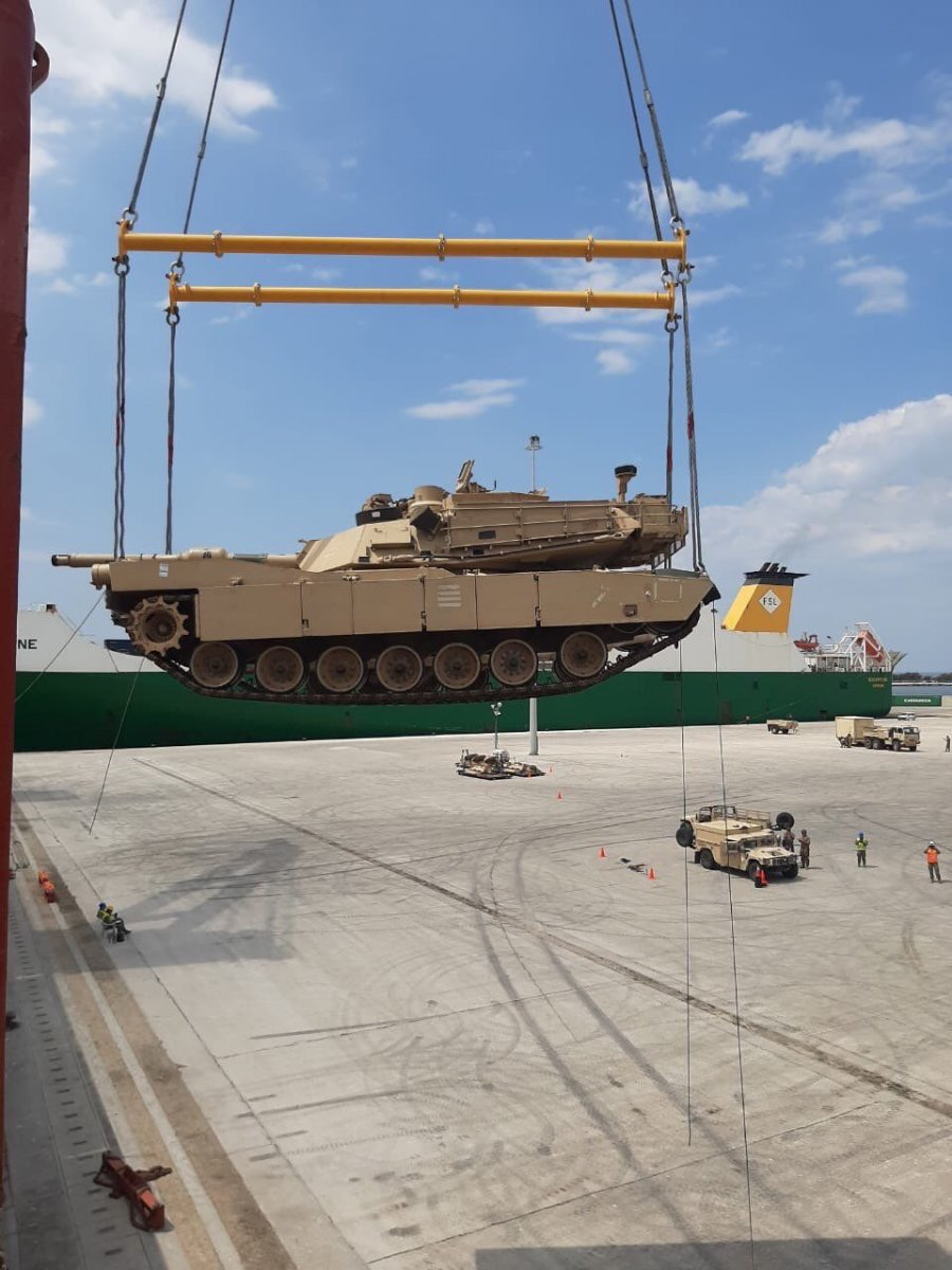 ABD, Dedeağaç'a yüzlerce tank ve zırhlı araç sevkiyatı gerçekleştirdi #2