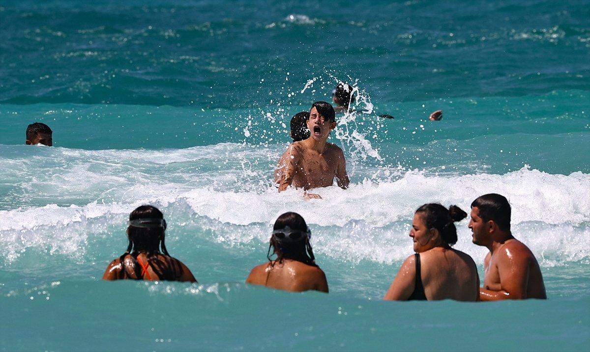 Ege Bölgesi nde plajlar doldu taştı  #5