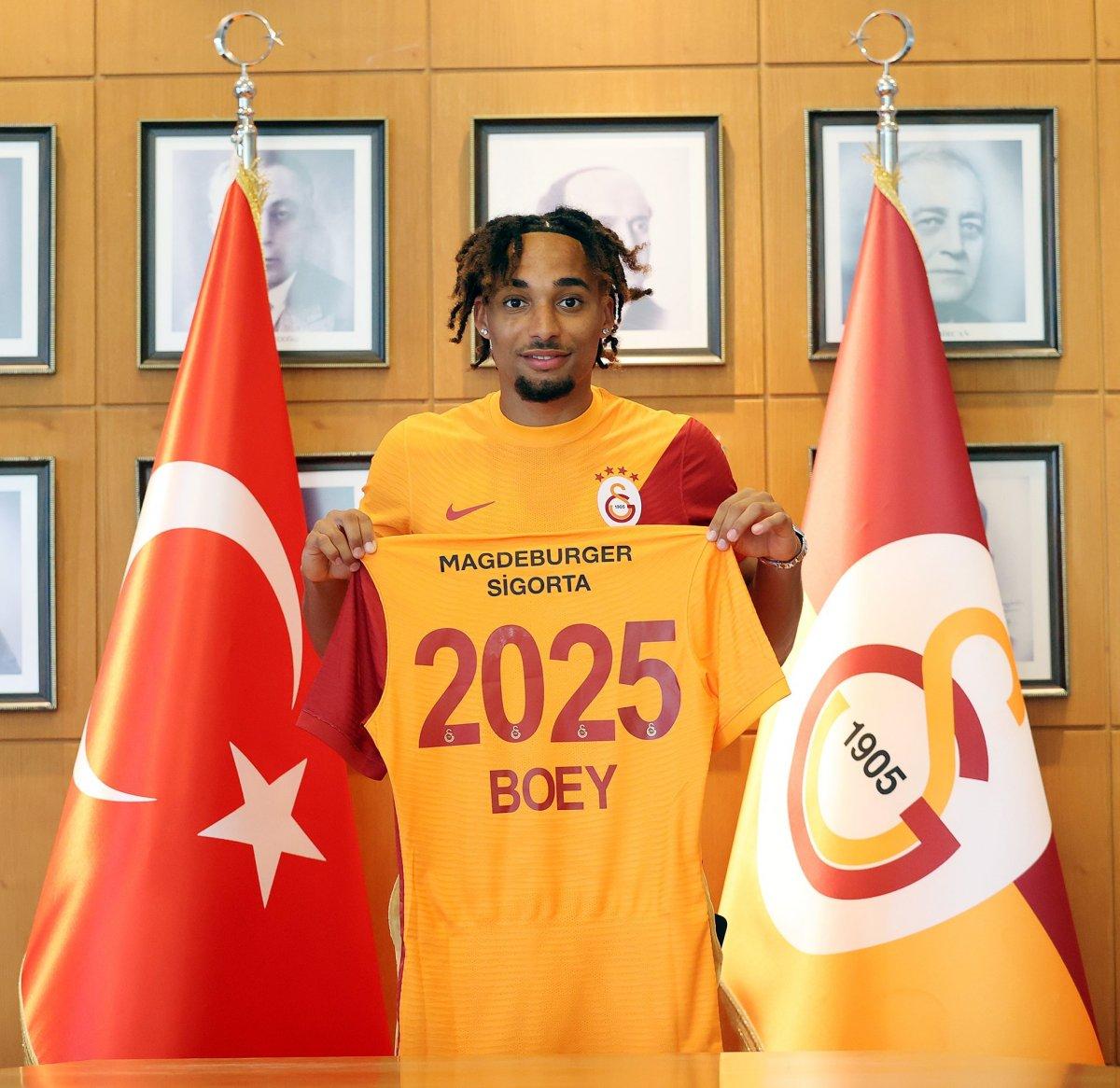 Galatasaray, Sacha Boey u açıkladı #2