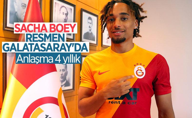 Galatasaray, Sacha Boey'u açıkladı