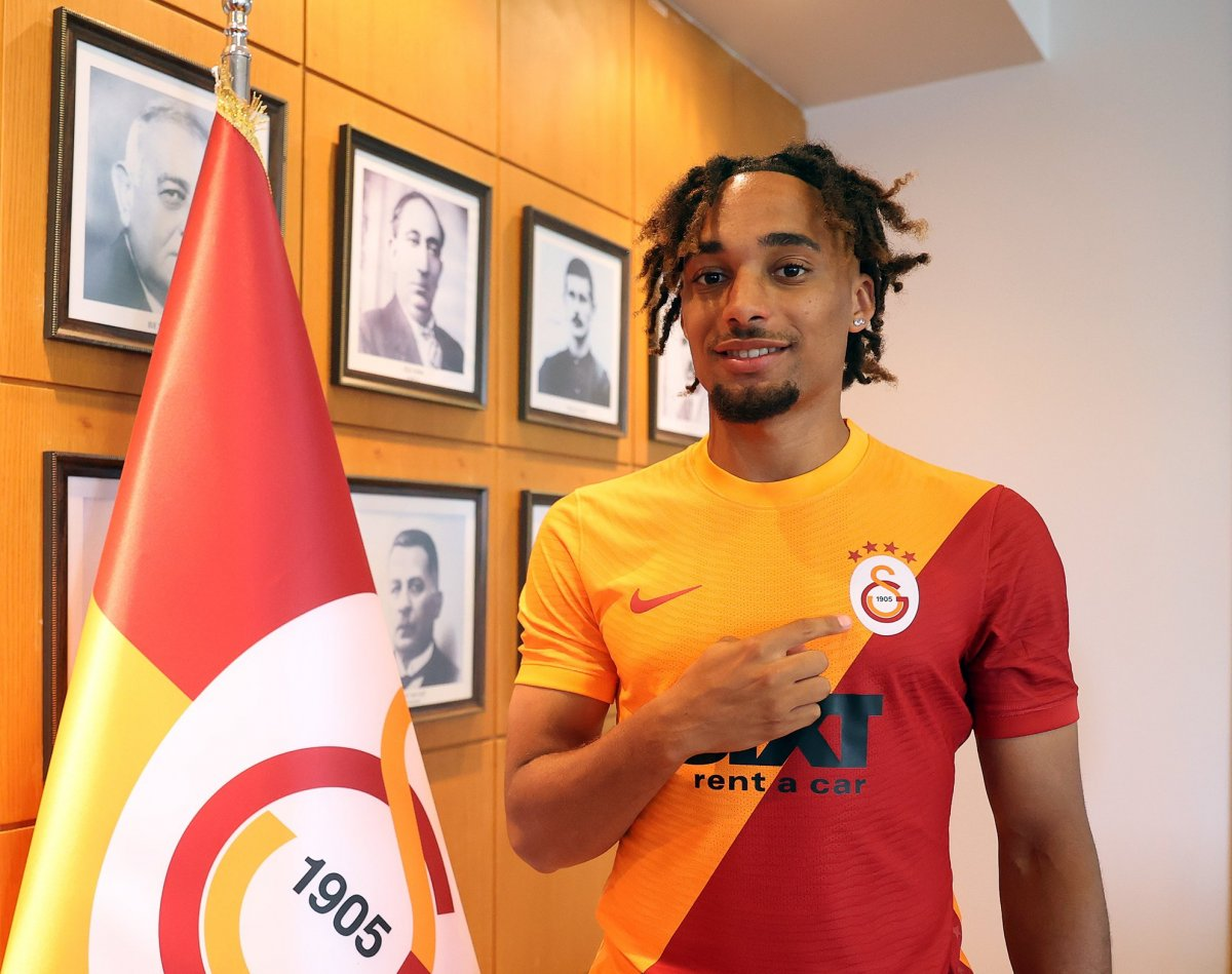Galatasaray, Sacha Boey u açıkladı #3