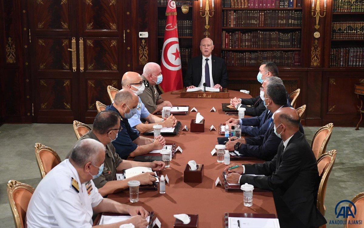 Tunus Cumhurbaşkanı, Başbakan Meşişi yi görevden aldı #2