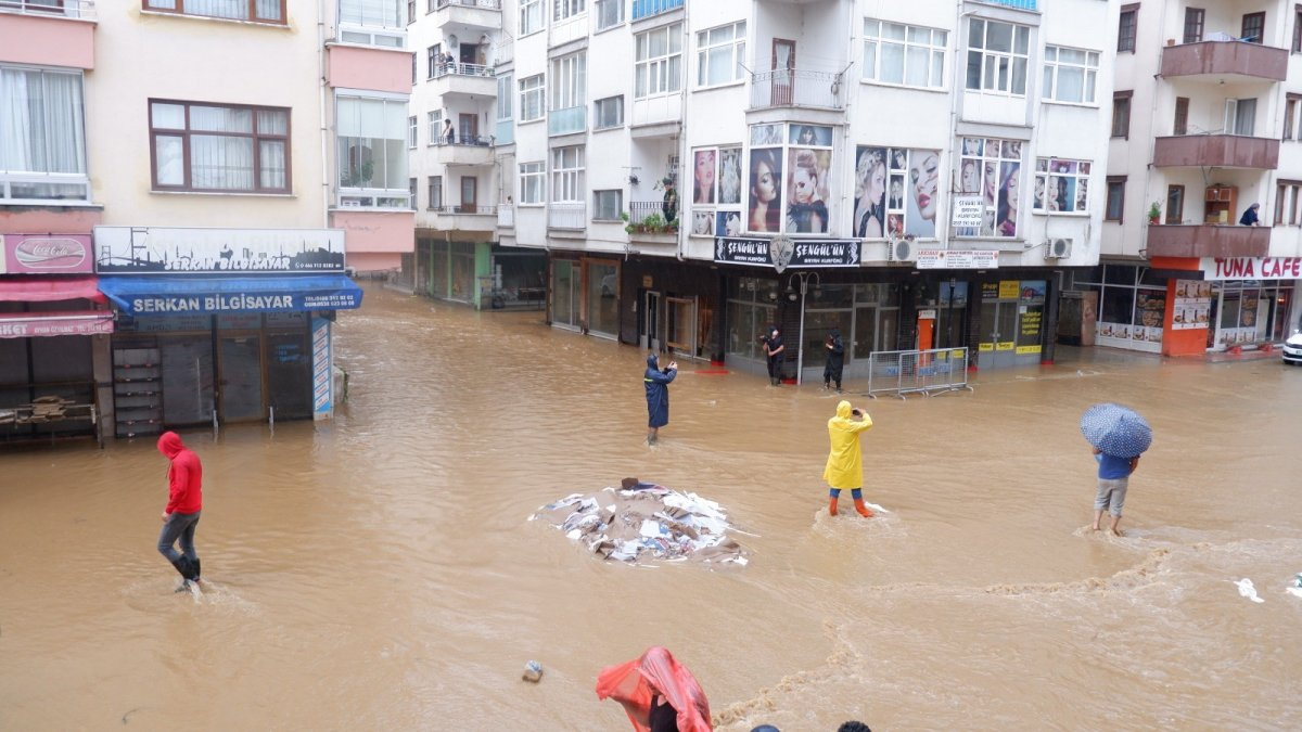 Artvin de sokaklar yine göle döndü #1