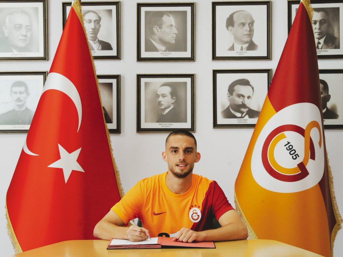 Galatasaray Berkan İsmail Kutlu yu borsaya bildirdi #3