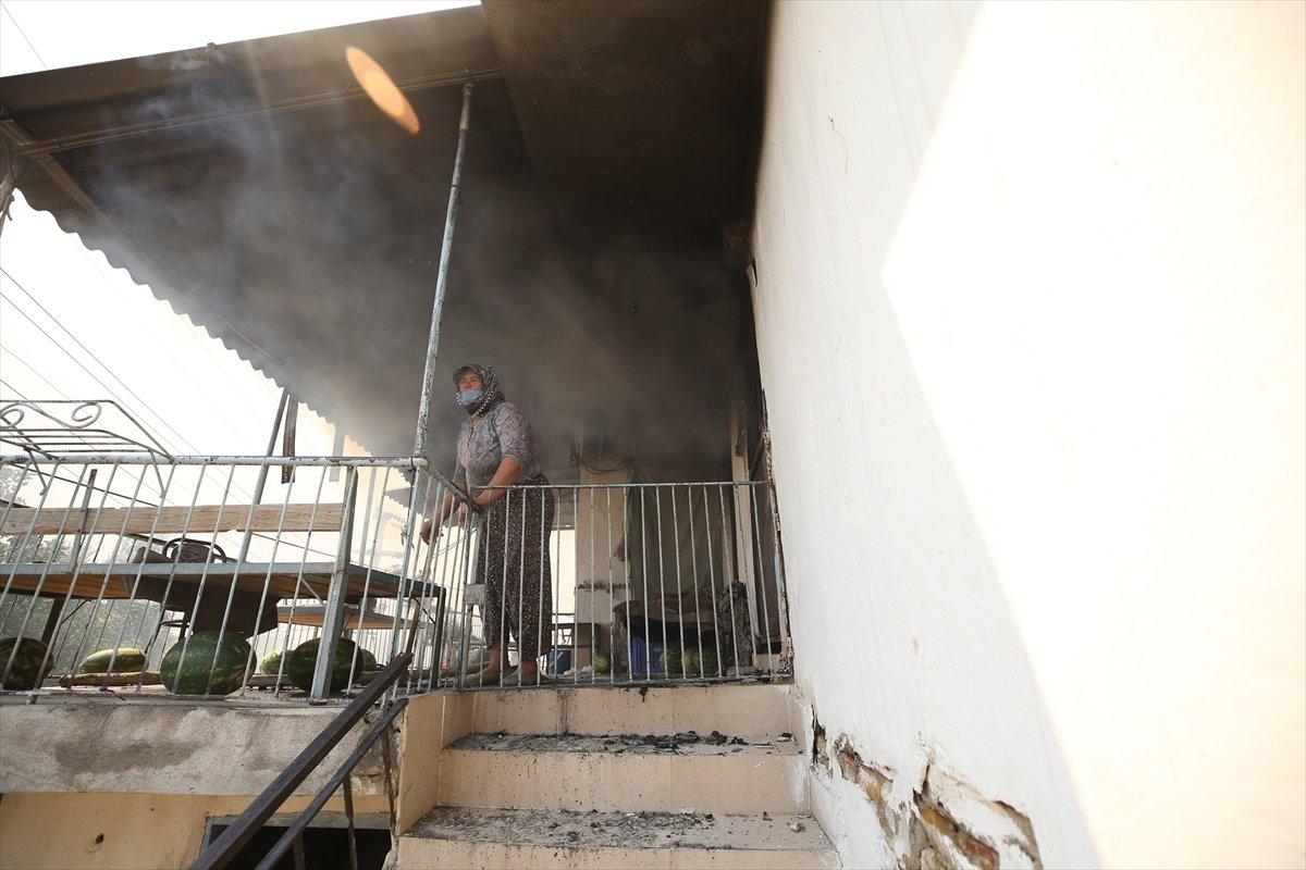Manavgat ta kanser hastası yaşlı kadının tedavi parası yangında kül oldu #3