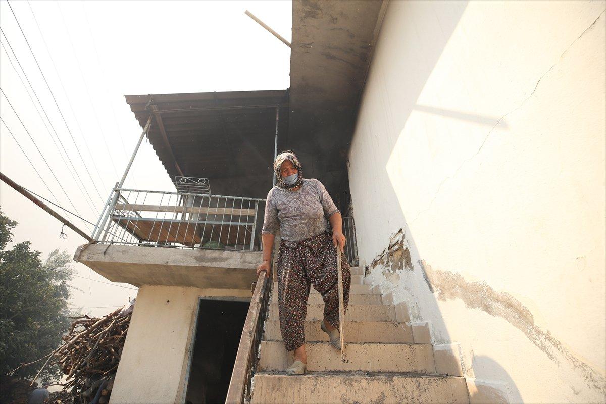 Manavgat ta kanser hastası yaşlı kadının tedavi parası yangında kül oldu #6