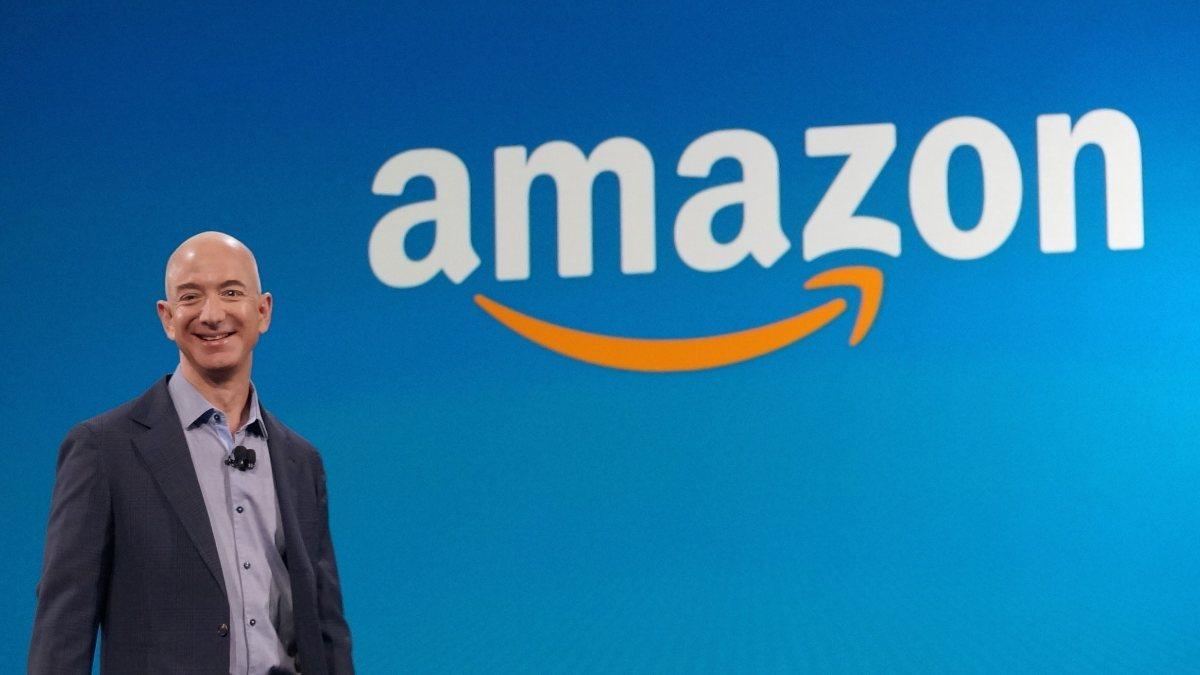 Jeff Bezosun görevi bırakmasından sonra Amazon satışları düşüyor