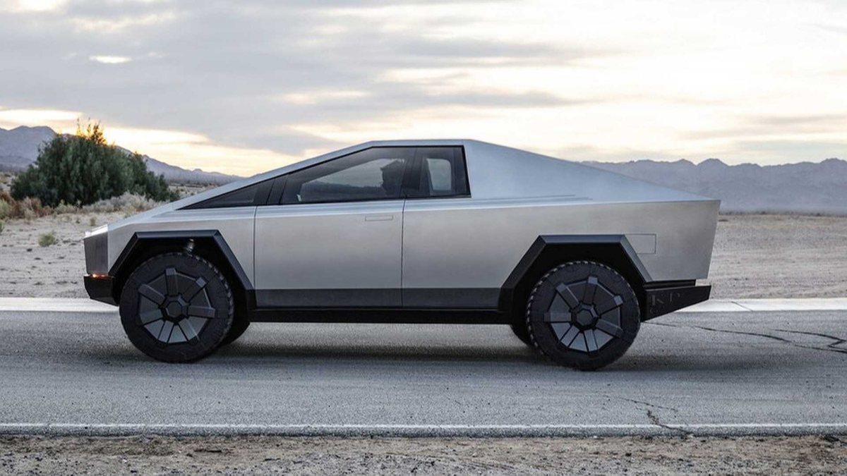 Tesla Cybertruck üretimi 2022 yılına ertelendi