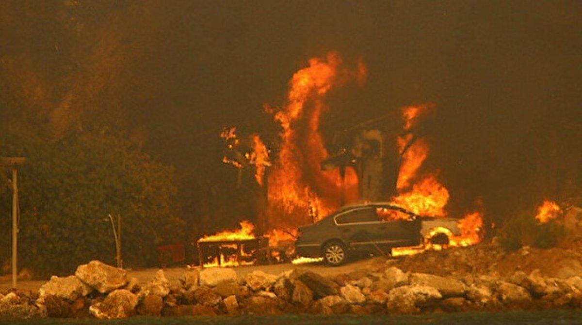Bodrum Çökertme koyunda yangın şiddetini artırarak devam ediyor #3