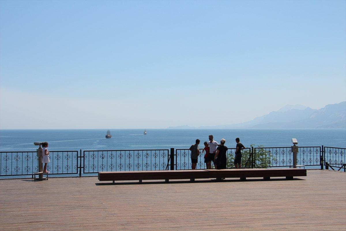 Antalya da nem oranı yüzde 5 e düştü #1