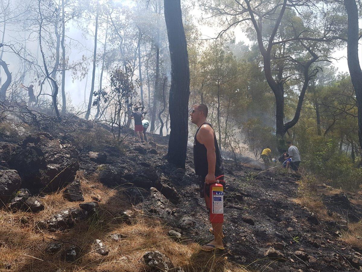 Kemer'de 3 alanda başlayan orman yangını söndürüldü #8