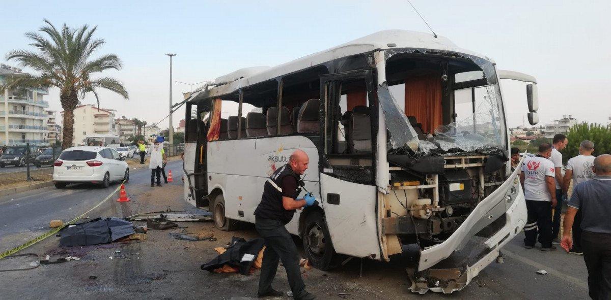 Antalya da havaalanına giden otobüs takla attı #3