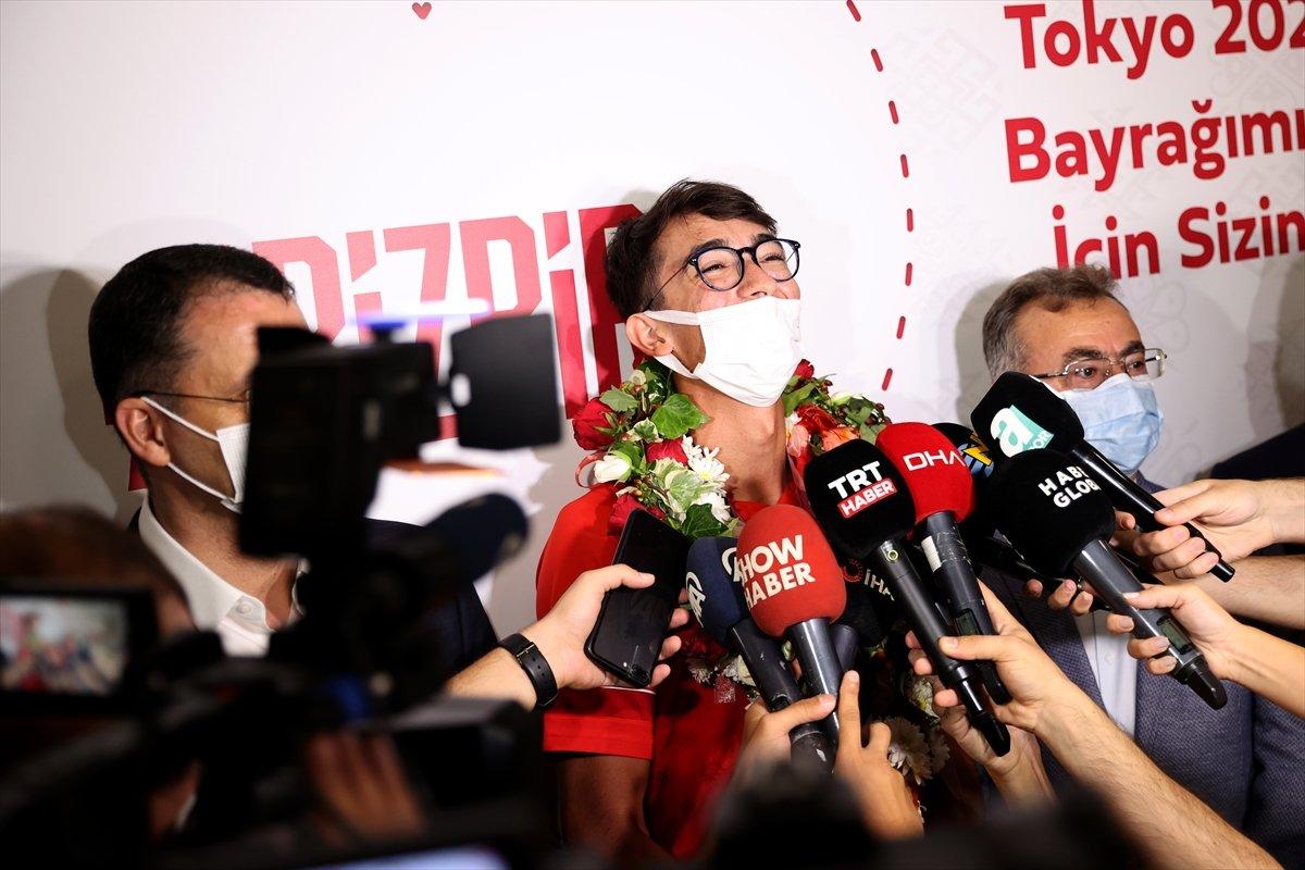 Olimpiyat şampiyonu Mete Gazoz İstanbul da #5