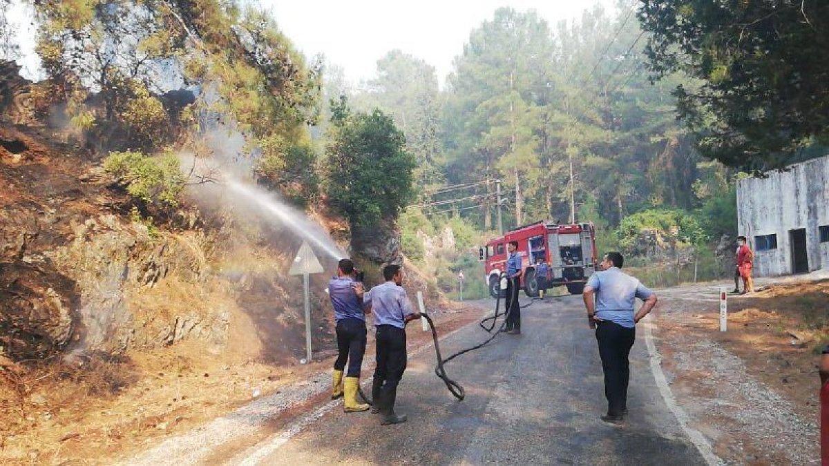 Mahsun Kırmızıgül: Orman yangınlarında askerler neden kışlada #5