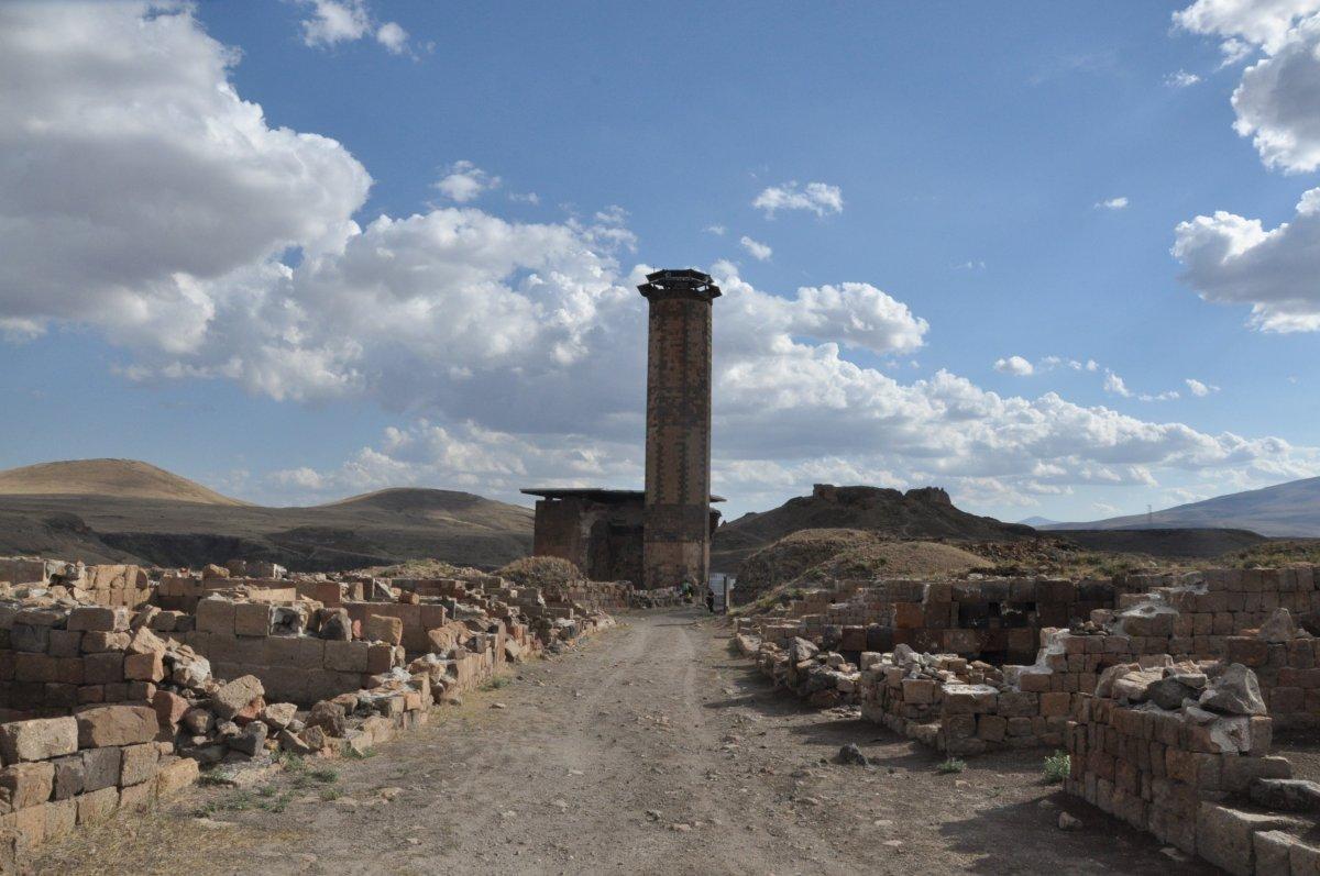 Kars'ta Anadolu'nun ilk Türk camisinde ezan sesi yankılandı #1