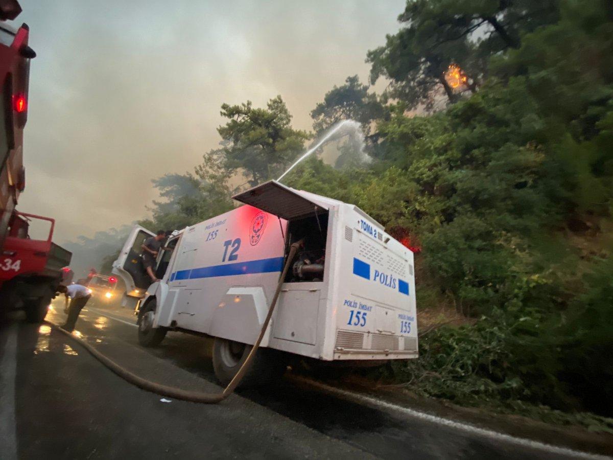 Mahsun Kırmızıgül: Orman yangınlarında askerler neden kışlada #18