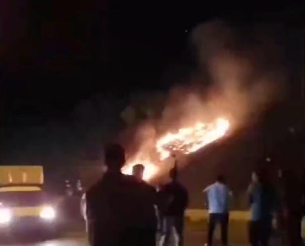 İzmir de sokak düğününde ormana doğru havai fişekler atıldı #1